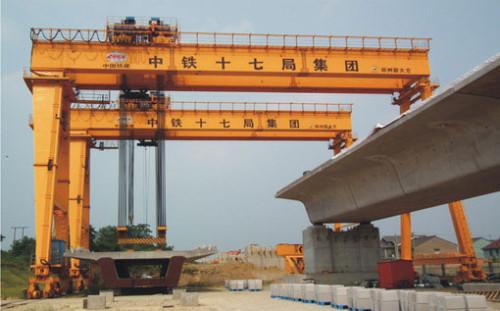 cổng trục chạy ray 100 tấn