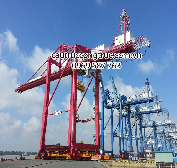 cầu trục cảng 50T