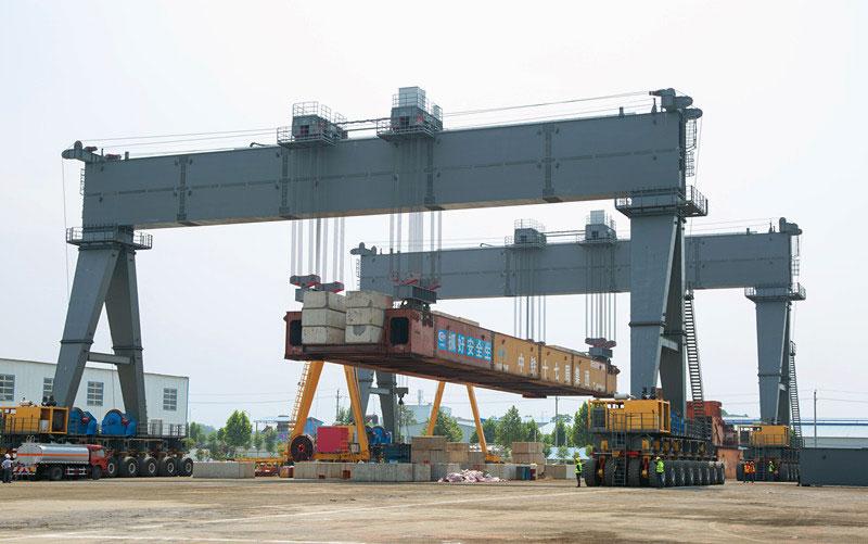 cầu trục long môn 2 xe con 50 tấn